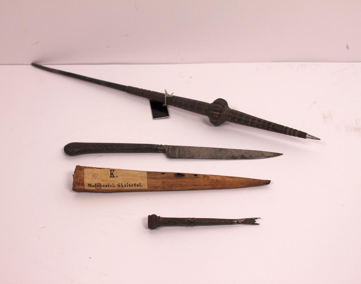 Malebarisk skrivetøy, 4 gjenstander
