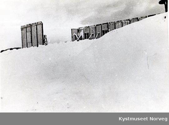 """Bygging av tyskerbrakke på """"Batterihøgda"""" på Rørvik"""