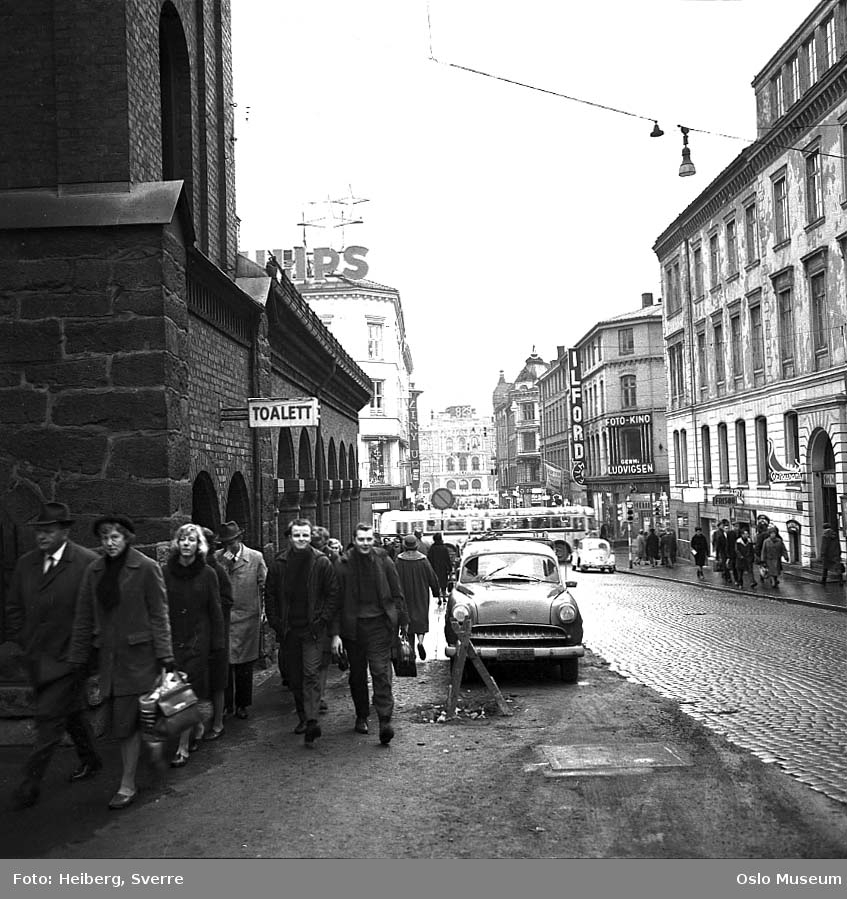 gateløp, mennesker, biler, buss, forretningsgårder, Brannvakten, Østbanestasjonen