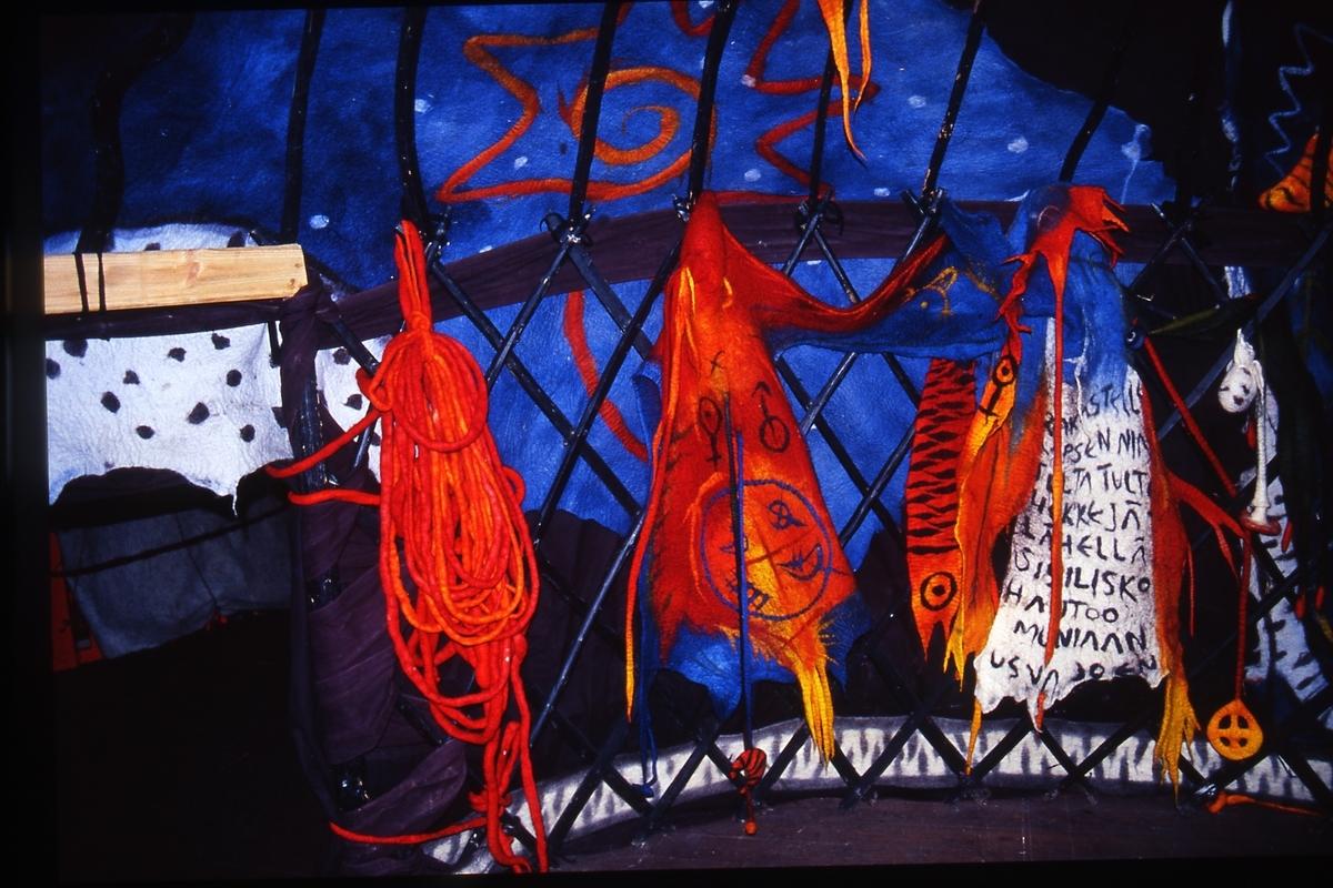 Jurtastaden Nov. Dec 2003; Interiör