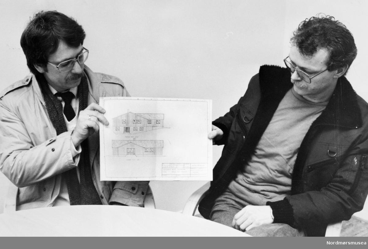 Per Tore Wiik (t.v) og Helge Bjerkås. TK-25/2-87. Bildet er fra avisa Tidens Krav sitt arkiv i tidsrommet 1970-1994. Nå i Nordmøre museums fotosamling.
