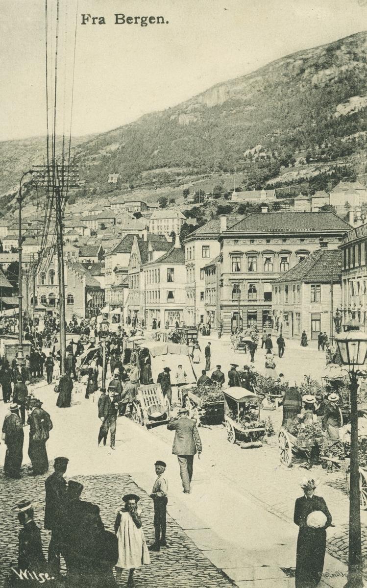 Bergen. Torget, før 1903. Utgiver: Wilse.