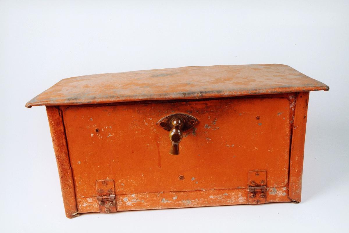 Postmuseet, gjenstander, postkasse, brevkasse, håndtak/lås.