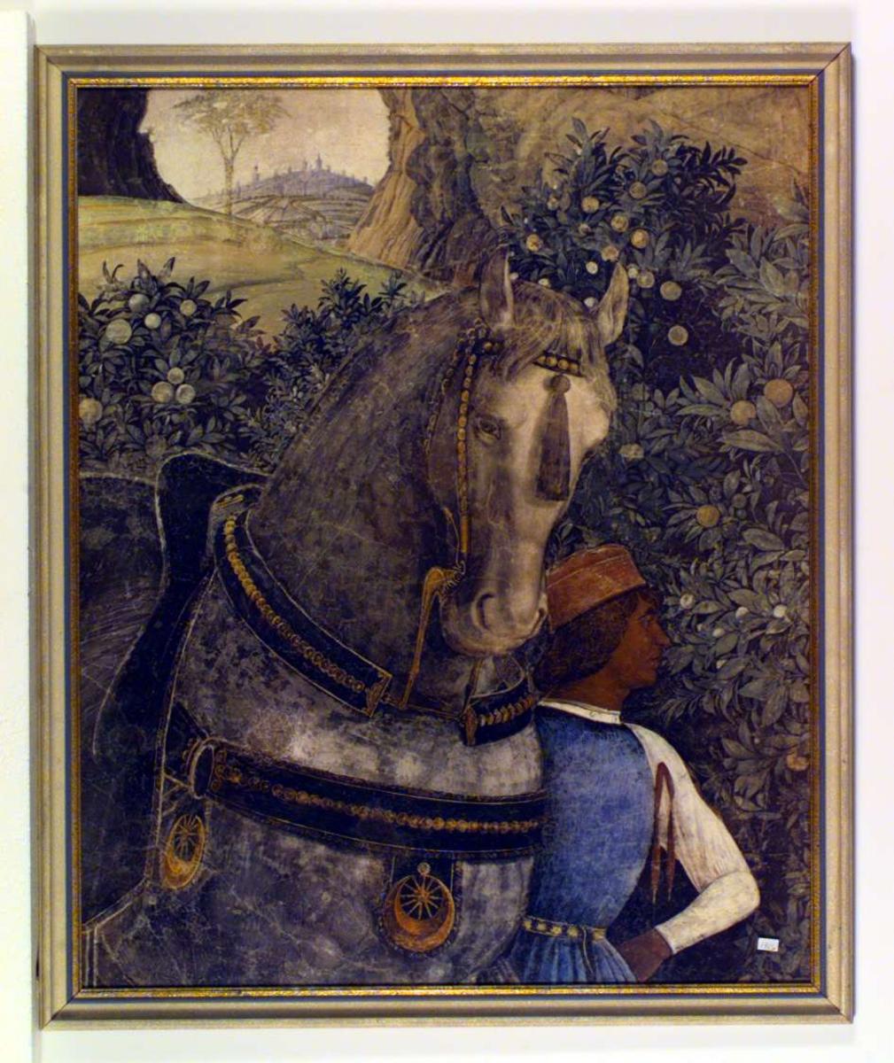 En staselig hest dominerer bildet. Den leies av en mann i renessanseklær. I bakgrunnen et italiensk landskap med en landsby med sine karakteristiske høye tårn.