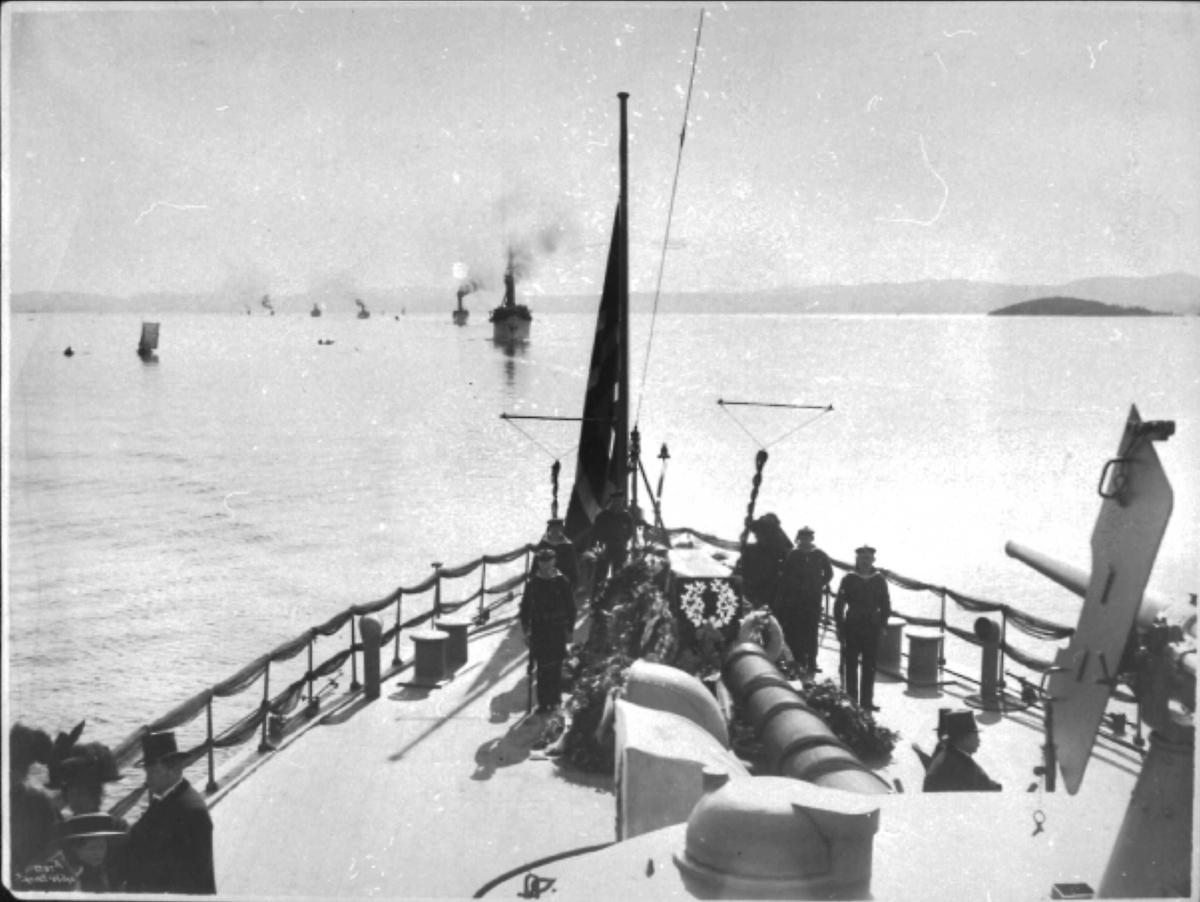 Panserskip, Norge, flagg, båter,