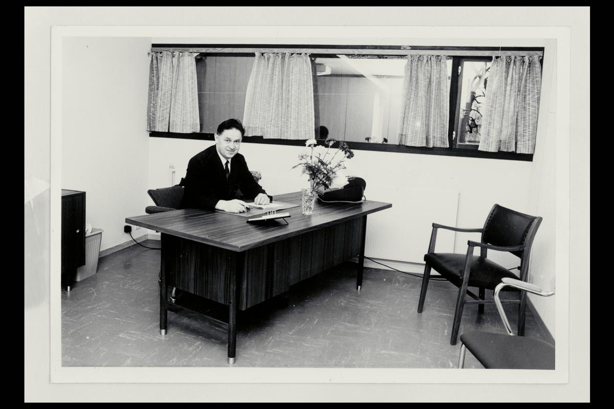 interiør, postkontor, 6100 Volda, kontor, postmester