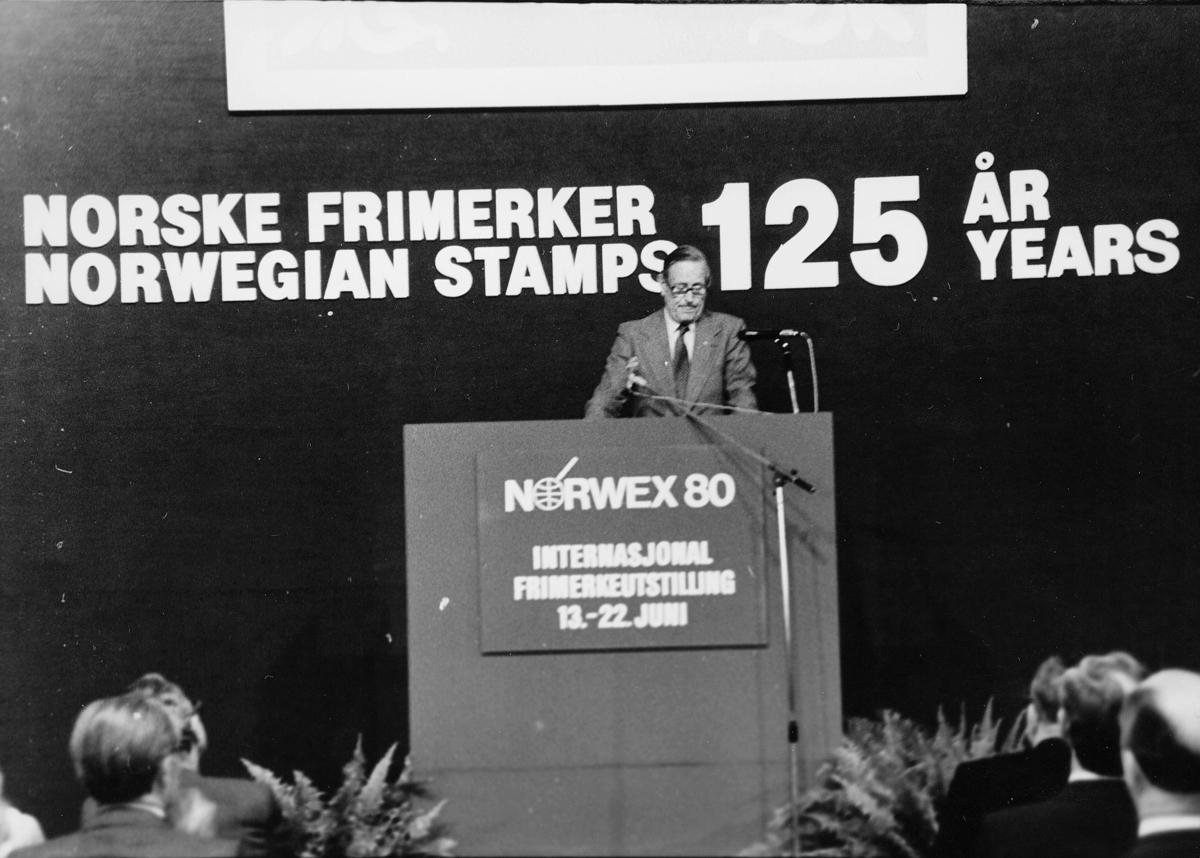 utstilling, Norwex 80, mann på talerstol