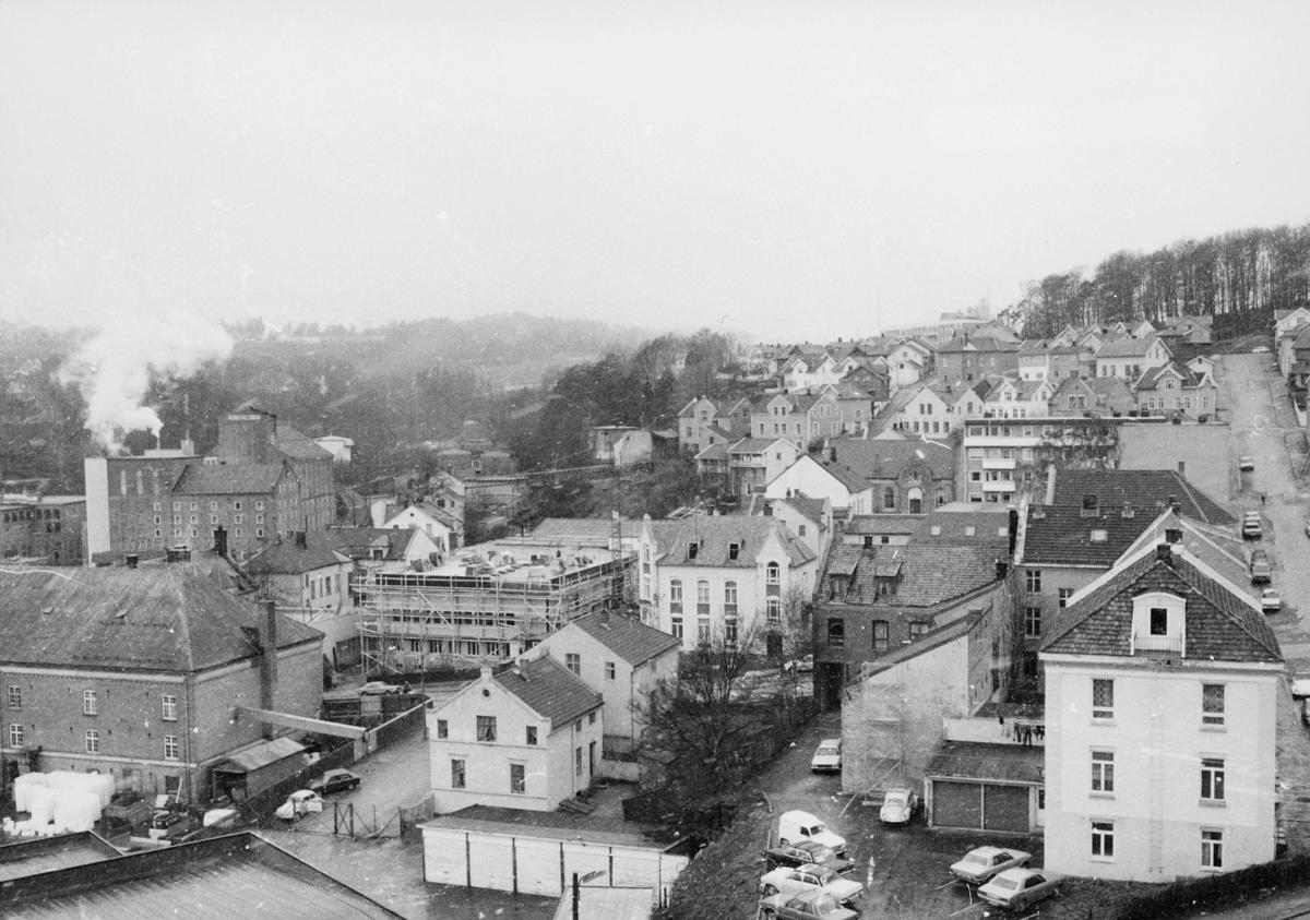 norgesbilder, Larvik, bybilde, biler, bygninger