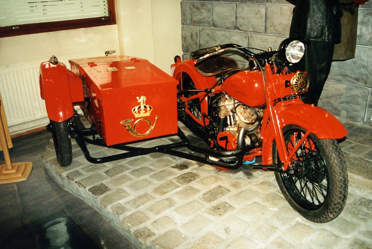 Postmuseet, utstilling, Harley Davidson motorsykkel med sidevogn