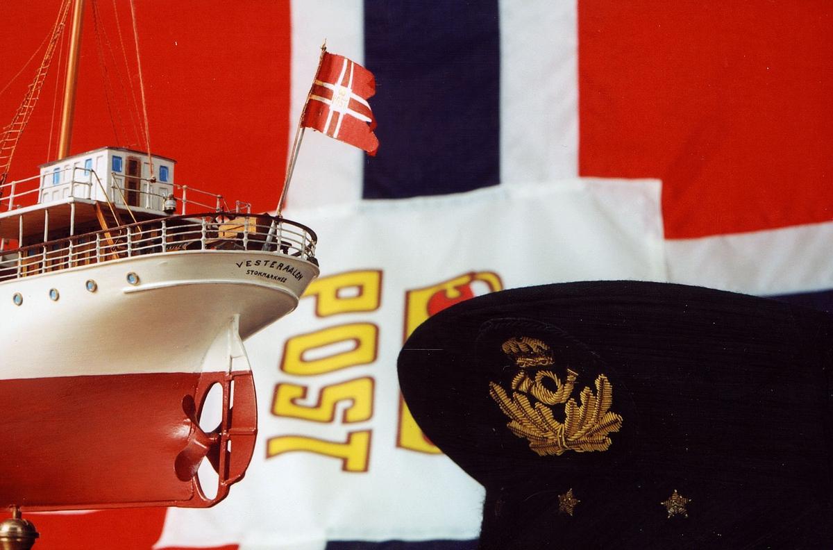 Postmuseet, gjenstander, postflagg, uniformslue, båtmodell, Vesteraalen.
