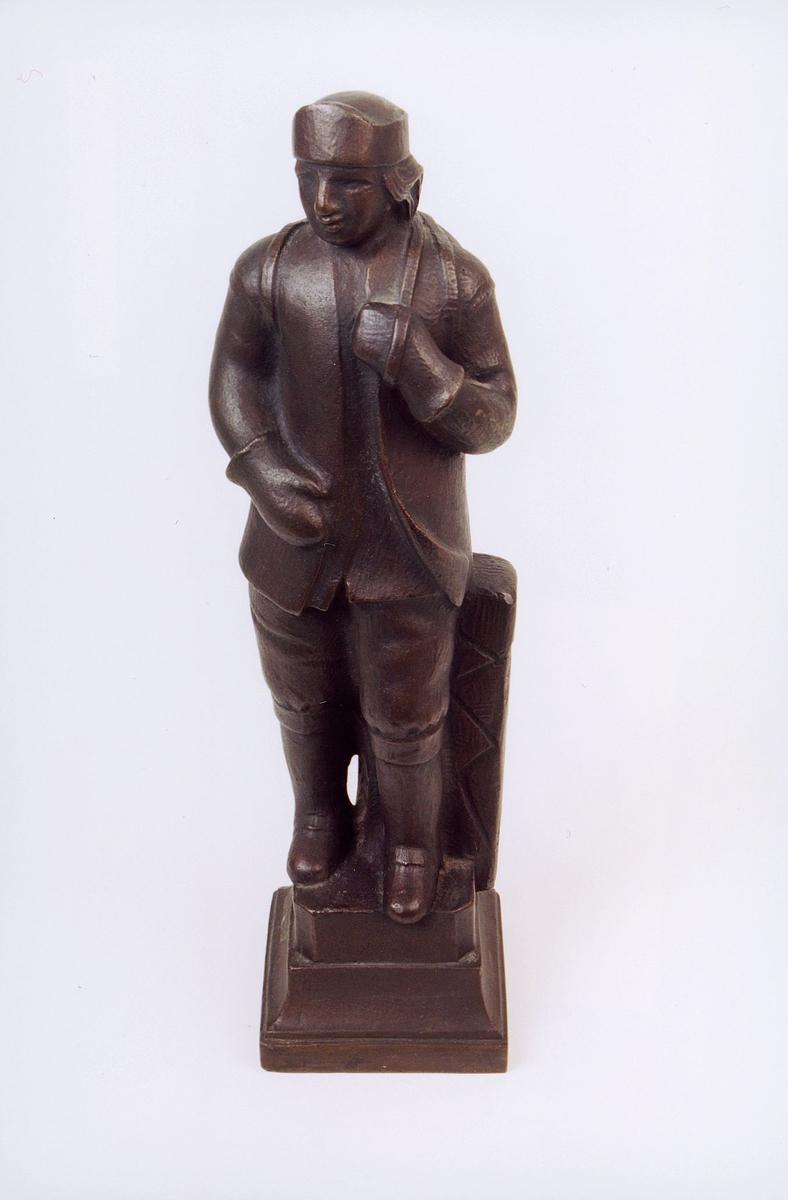 postmuseet, gjenstander, statuett, miniatyrstatue, norsk postbonde på Filefjell