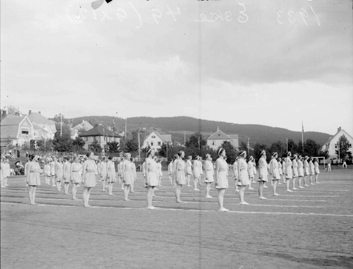 Turnstevnet på Sportsplassen 1933. Piker.