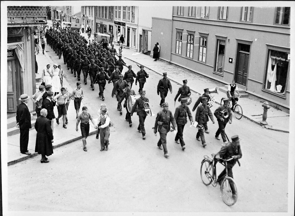 Soldater, gate