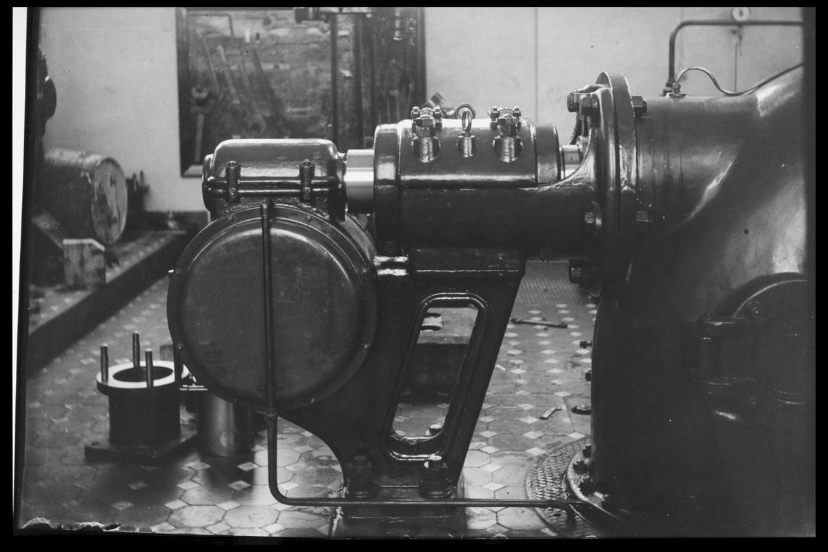 Arendal Fossekompani i begynnelsen av 1900-tallet CD merket 0470, Bilde: 19 Sted: Bøylefoss Beskrivelse: Turbinlager