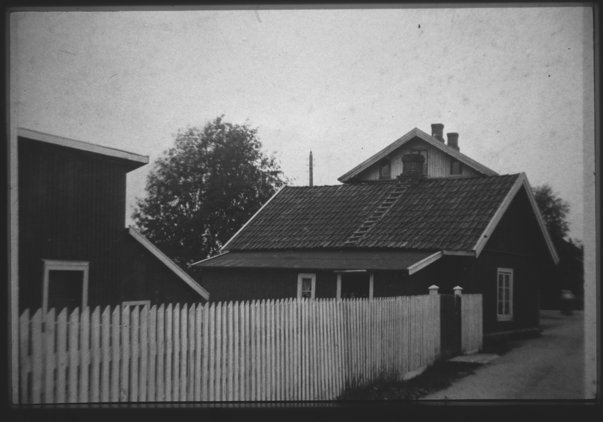 Eksteriør. Foto av Nystuen på Nesa. Fam. Dahlbaks bopel