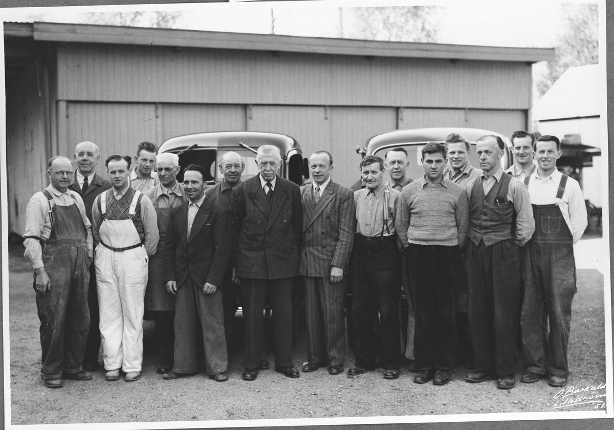 Alle som arbeidet på O. Syversens verksted i 1953.
