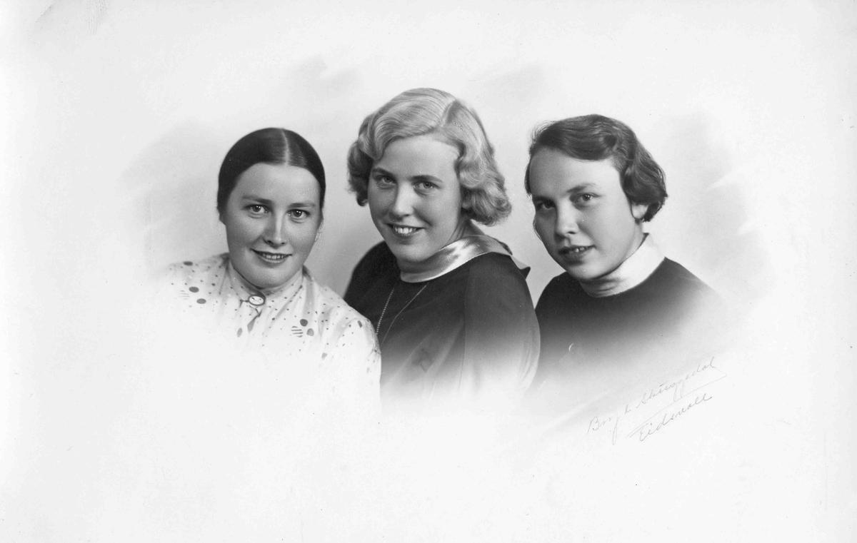 3 kvinner