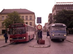 Buss SH F-1686 på Bragernes torg i Drammen.