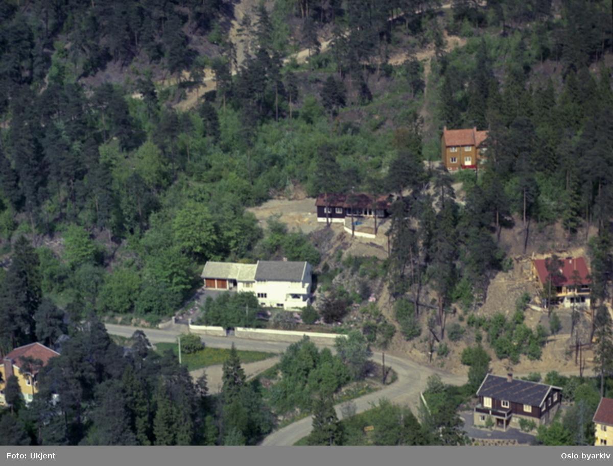 Villabebyggelse. Ymers vei. Akebakken i Grefsenåsen i bakgrunnen. (Flyfoto)