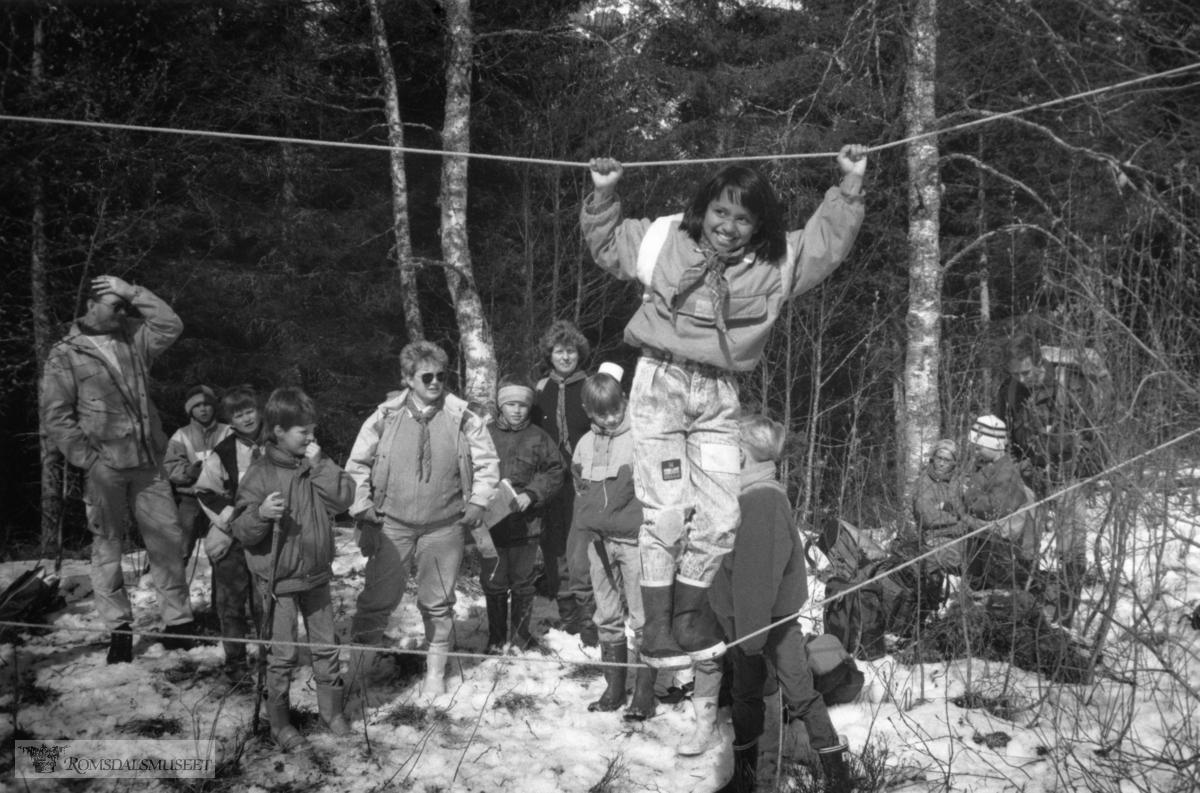 """St.Georgdagen feiret i Isterdalen, Rauma..Trykt i RB: 22.4.1991.""""NSF utenfor MOZ."""