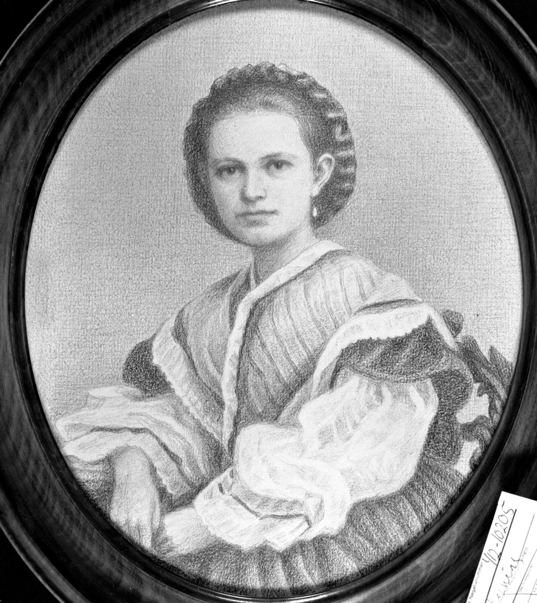 Tegnet portrett av Anne Marie Tollesdatter Hoel (1844-1921). Hovinsholm, Helgøya.