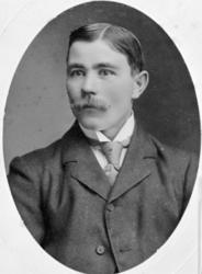 PORTRETT: MARTIN PALERUD FØDT: 1889, NYHEIM, RIDABU