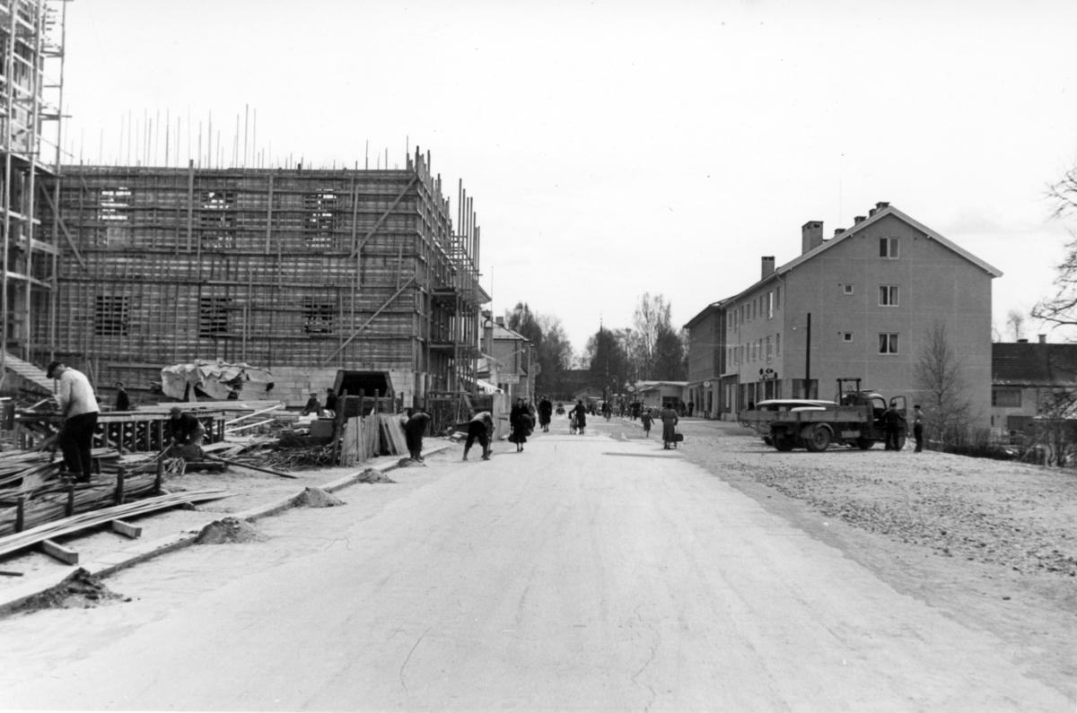 Rådhus/Elvarheim under bygging