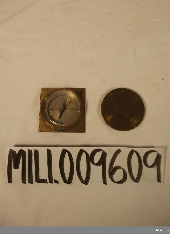 Kompass av äldre modell.