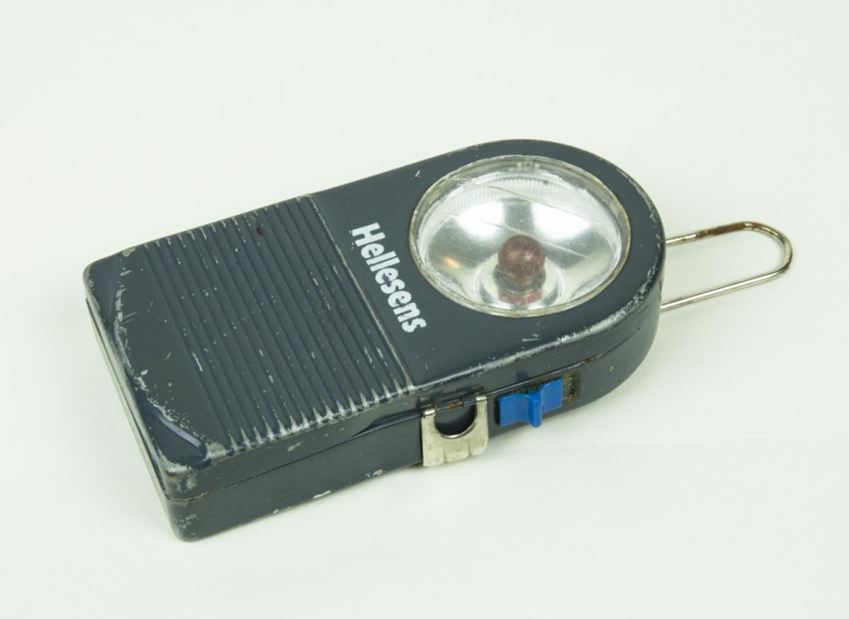 En ficklampa har röd lampa, och en ficklampa saknar lampa.