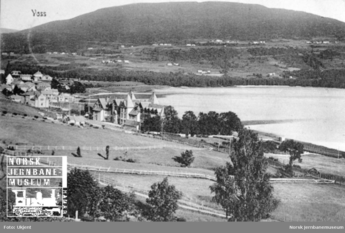 Parti fra Voss med stasjonen til venstre i bildet