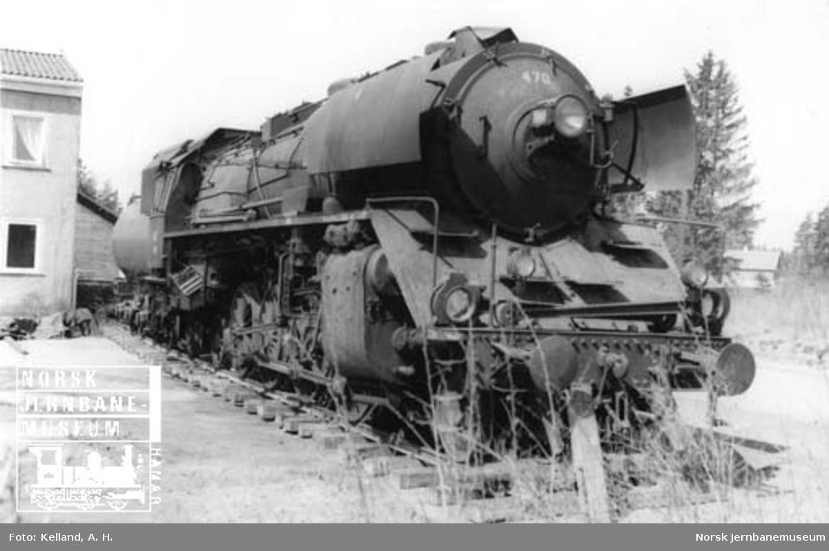 Damplokomotiv type 49c nr. 470 på Norsk Jernbanemuseum, under flyttingen