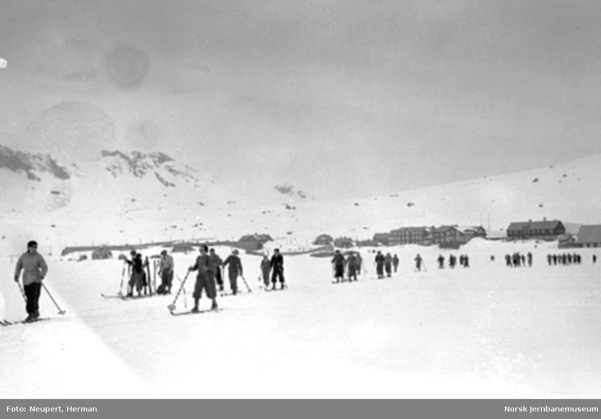Skiløpere på Finse