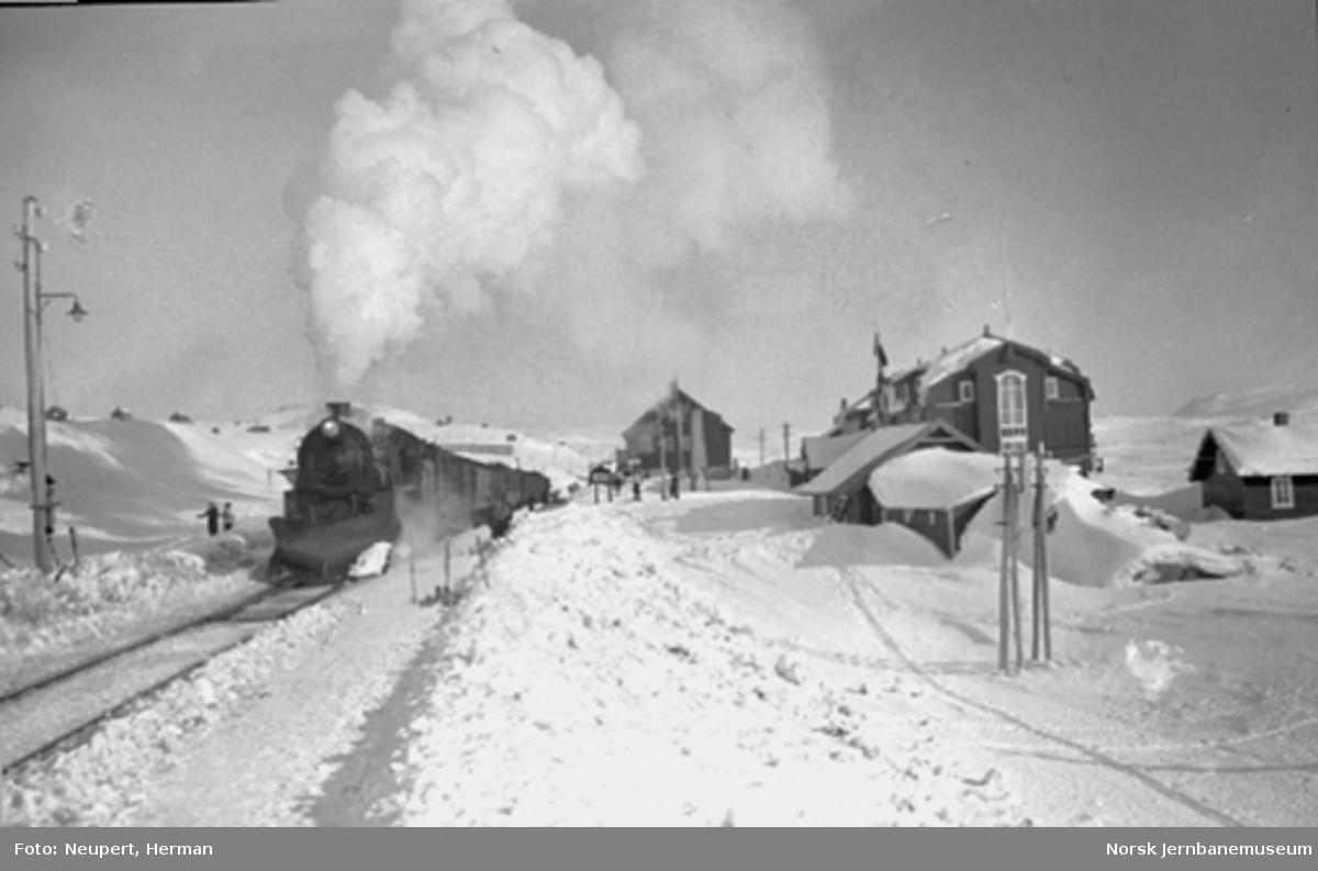 Bergenstoget på Finse stasjon