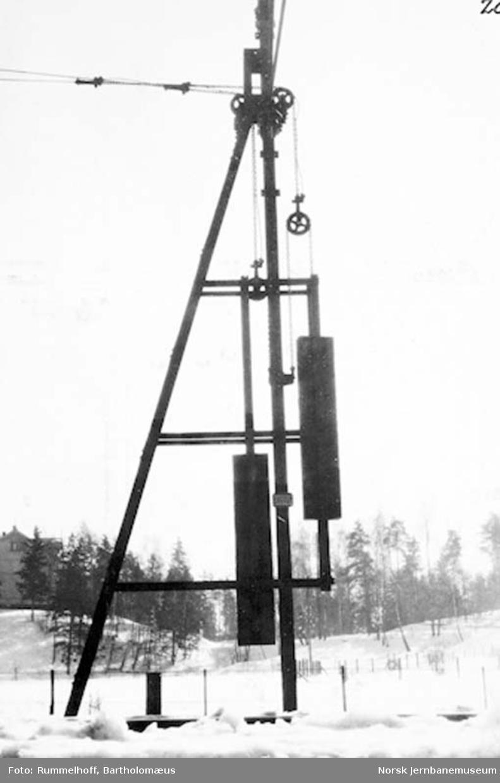 Drammenbanens elektrifisering : avspenningsmast for dobbeltspor