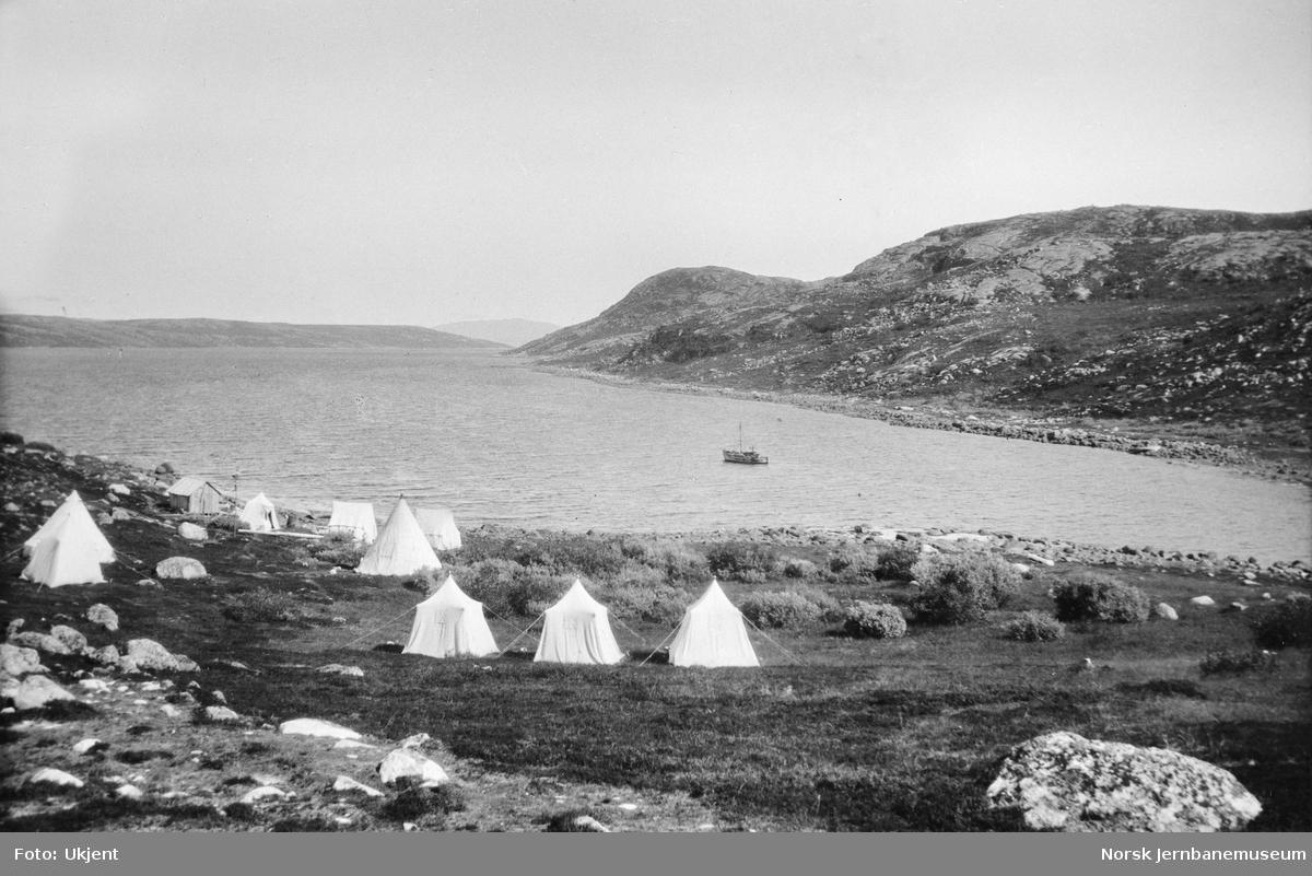 Jernbanestikking i Finnmark : teltleir på Buholmen