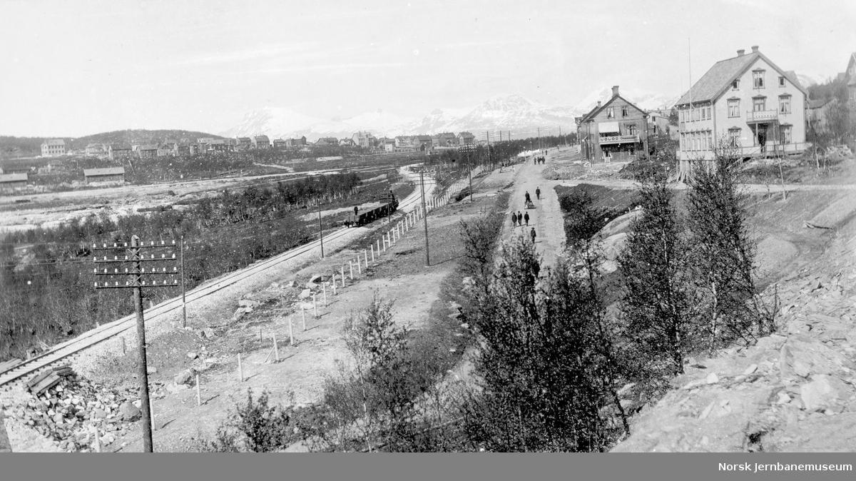 Jernbanen mellom Narvik stasjon og Fagernes ved Nedre Oskarsborg og Frydenlund