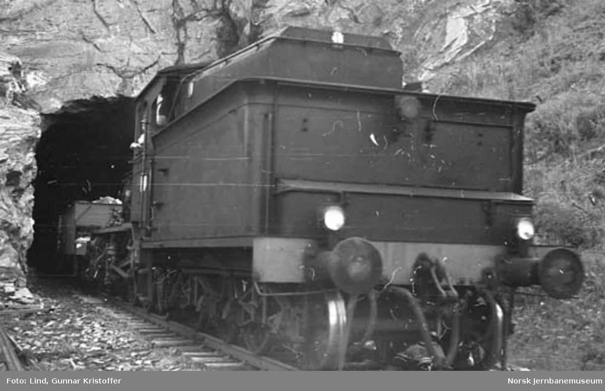 Nordlandsbaneanlegget : anleggskjøring av grus fra Ørtfjell grustak