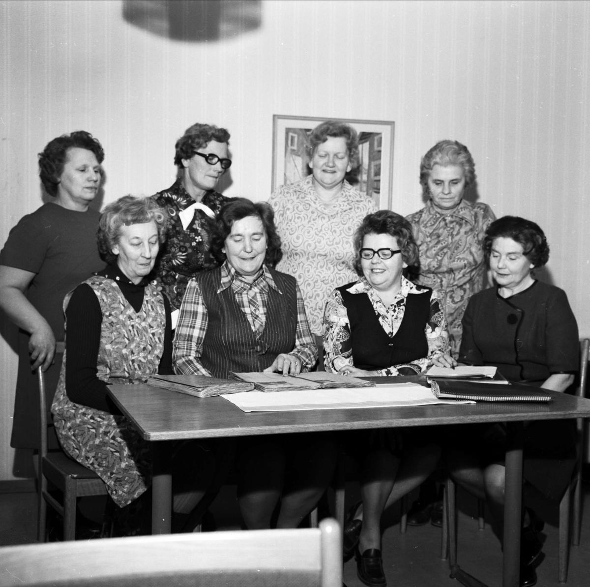 Centerkvinnor i Tierpsbygden har samlats i Tierp, Uppland januari 1973