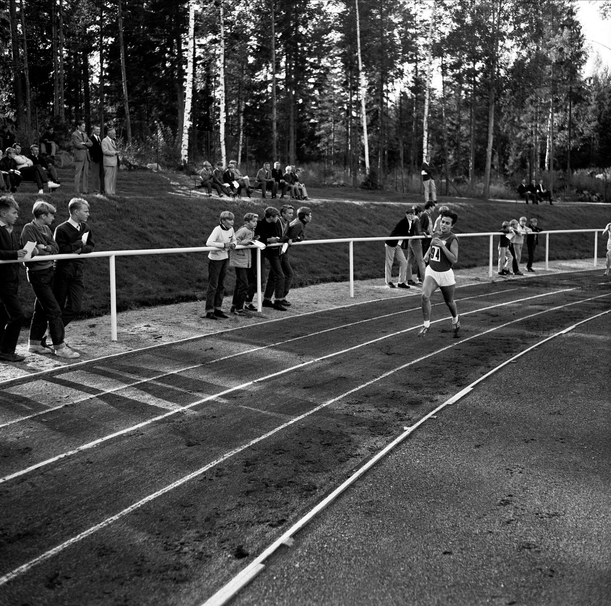 Återinvigning av Vegavallen, löpare, Tierp, Uppland 1967