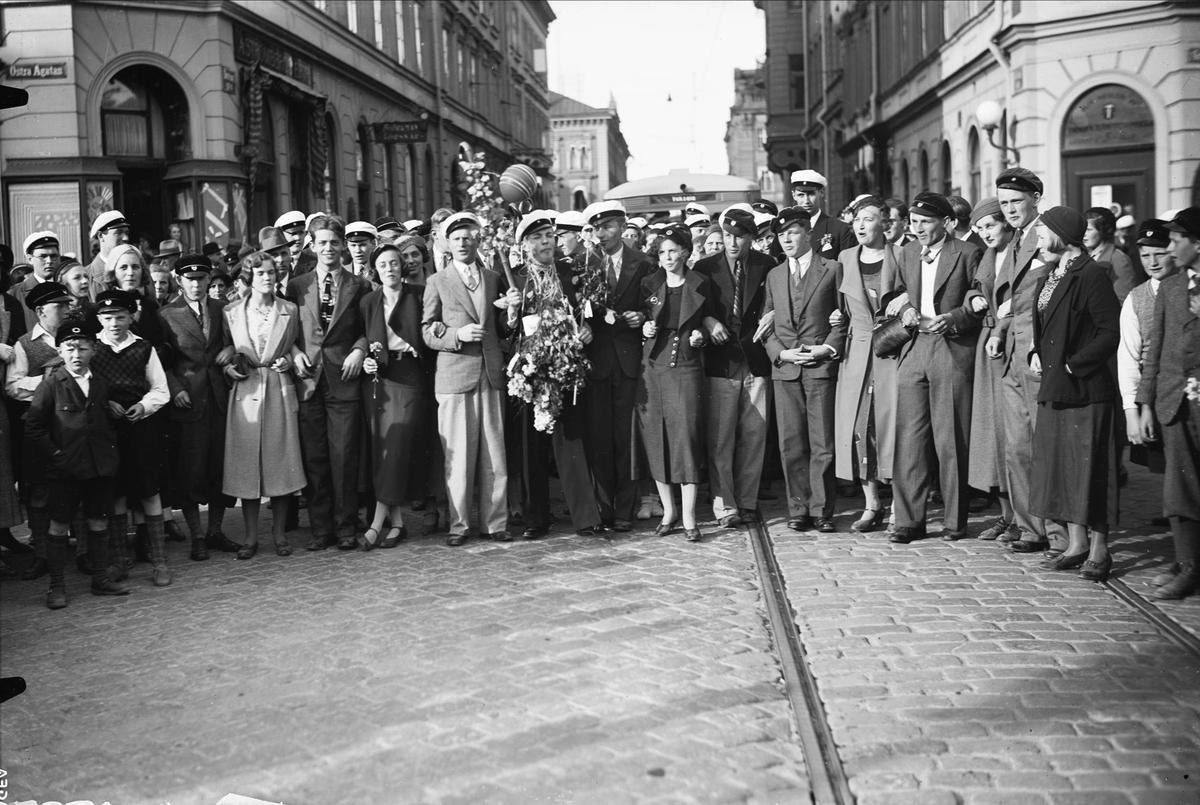 Studentfirande på Drottninggatan - Östra Ågatan, Uppsala 1933