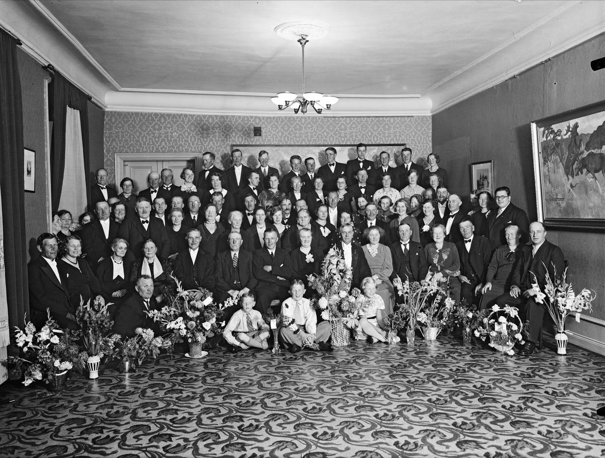 Grupporträtt - Jakobsson, 50-årsdag på Lindholms Matsalar, Riddartorget 5, Uppsala 1936