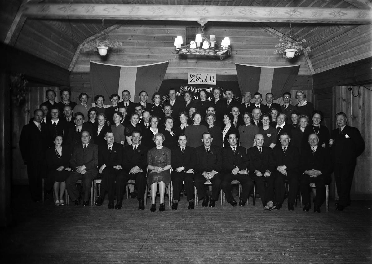 Grupp i Granebergsparken, Sunnersta, Uppsala november 1942