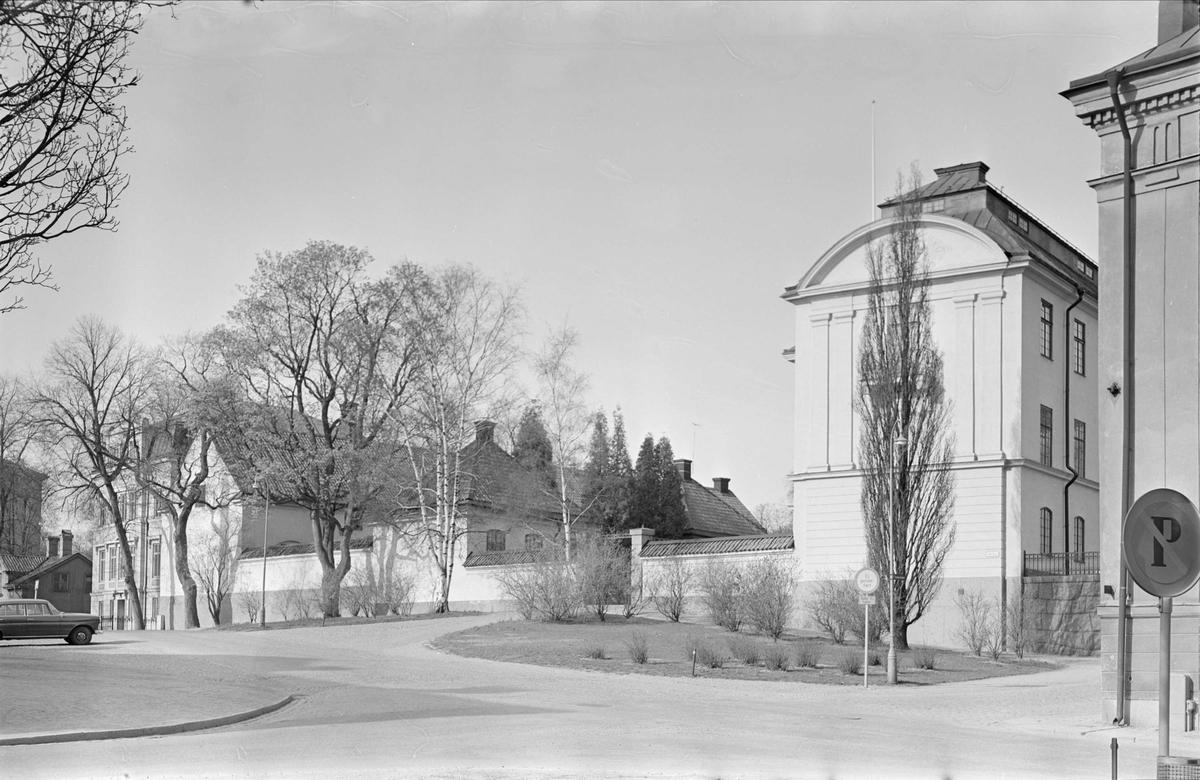 """""""Riddartorget mot Universitetet"""" - Ärkebiskopsgården i kvarteret Prosten, Fjärdingen, Uppsala"""