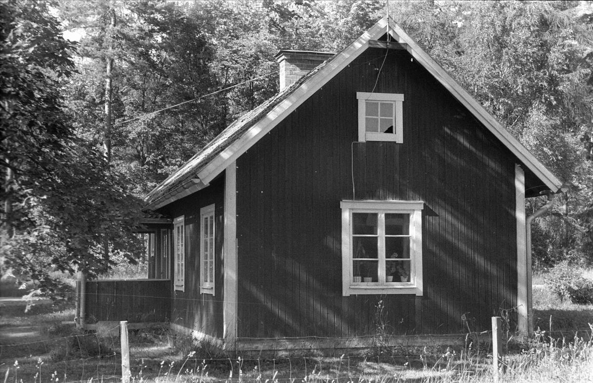 Stuga, Sågstugan, Sandbro, Björklinge socken, Uppland 1976