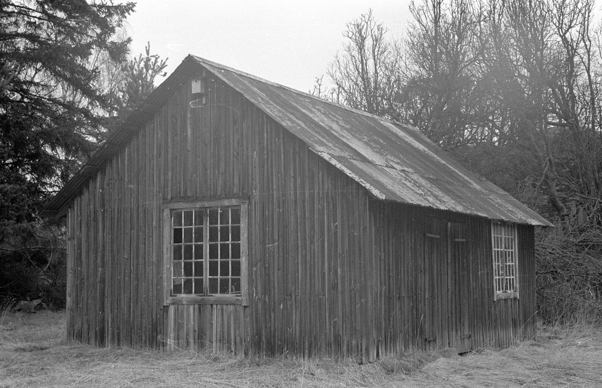 Smedja, Husby 2:1, Husby, Lena socken, Uppland 1977