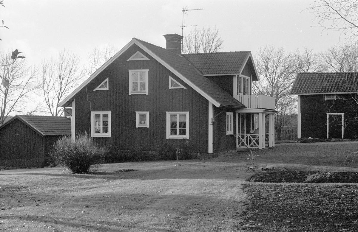 Bostadshus och ekonomibyggnader, Ubby, Dalby socken, Uppland 1984
