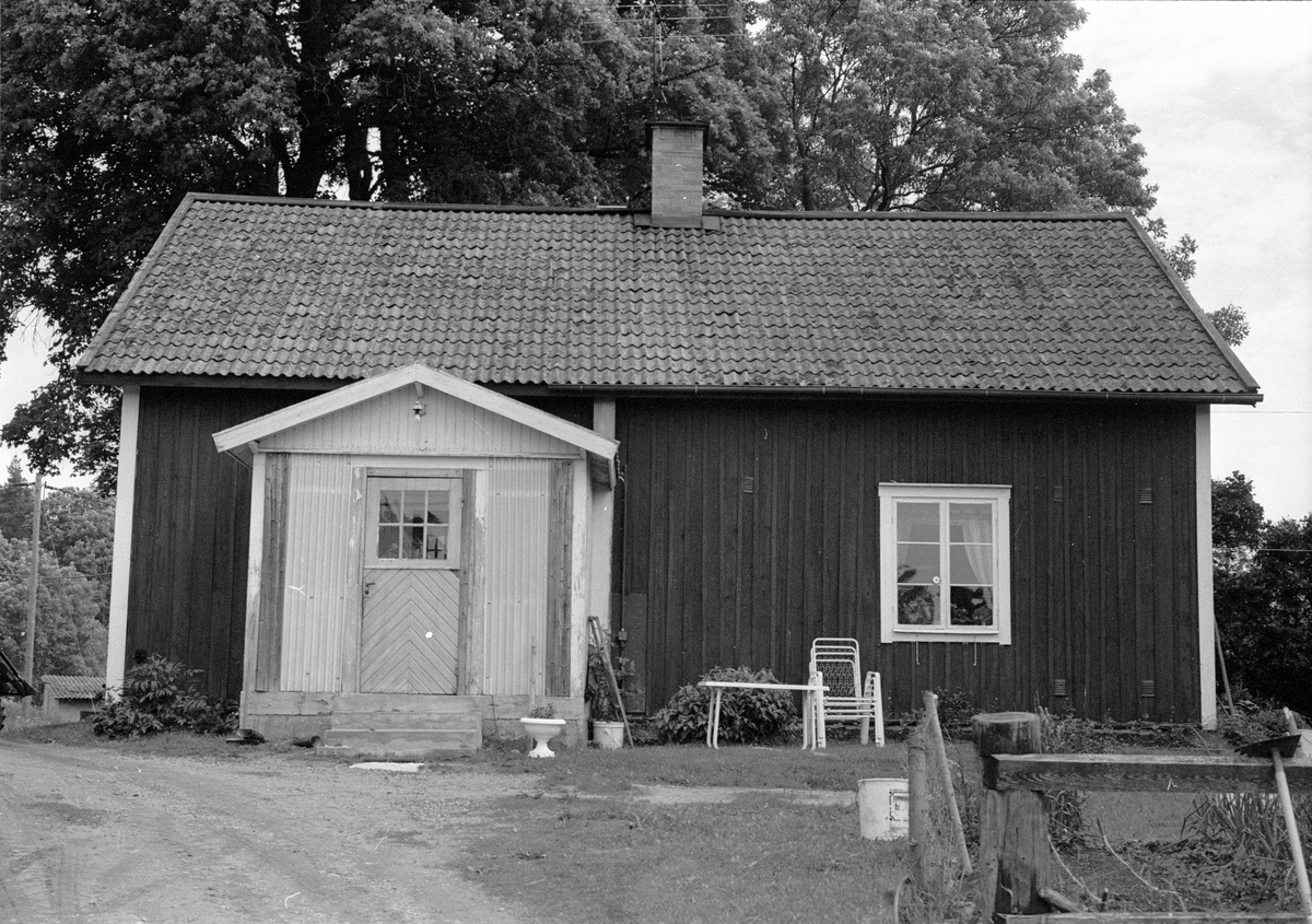 Bostadshus, Burvik 2:17 A, Burvik, Knutby socken, Uppland 1987