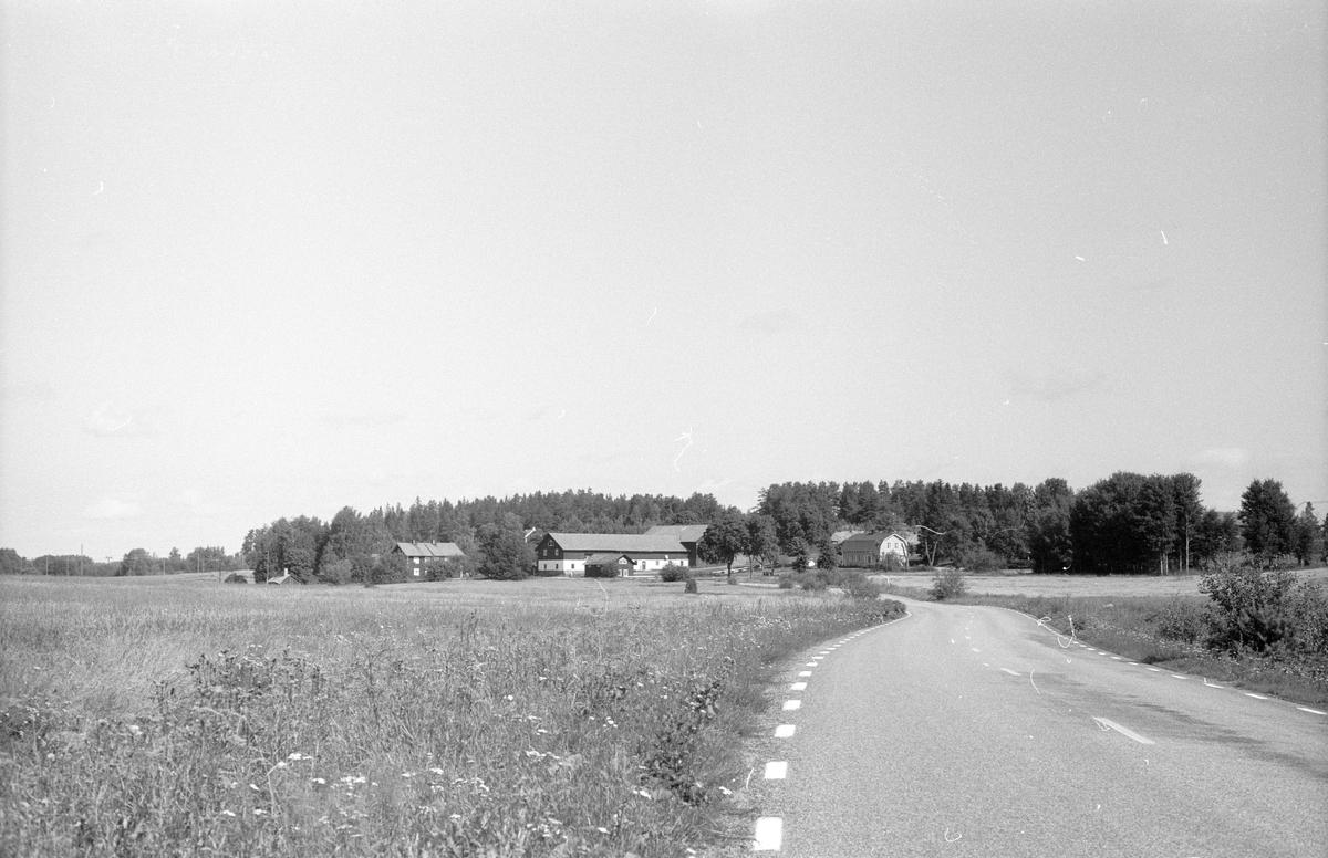 Vy över Åsby, Knutby socken, Uppland 1987