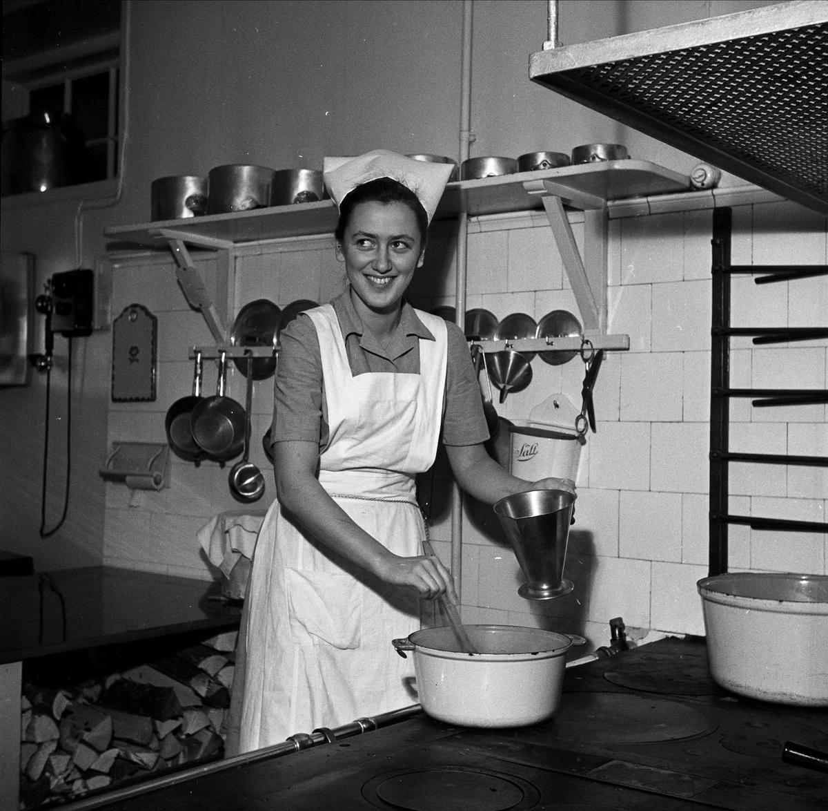 Blivande skolkökslärarinnan Margareta Josephson på Fackskolan för huslig ekonomi, Trädgårdsgatan