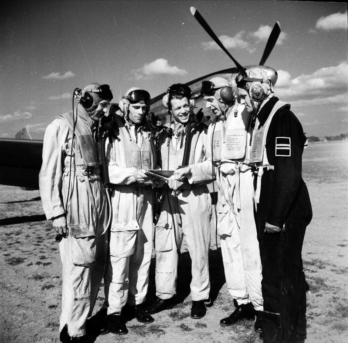 Kadettexamen, sannolikt F 16 Upplands Flygflottilj, Ärna, Uppsala april 1949